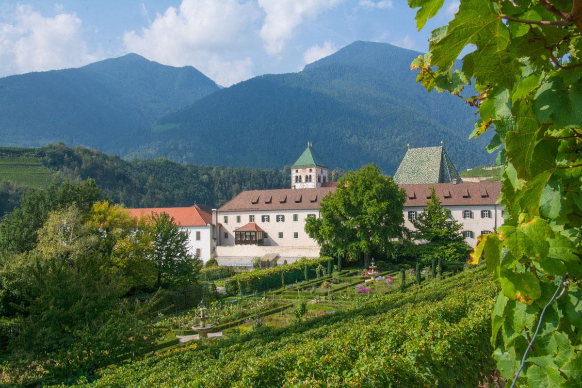 Brixen-Umgebung-Kloster-Neustift