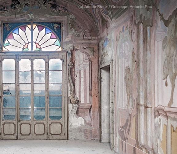 Italien-Geisterstädte-leerstehender-Palazzo