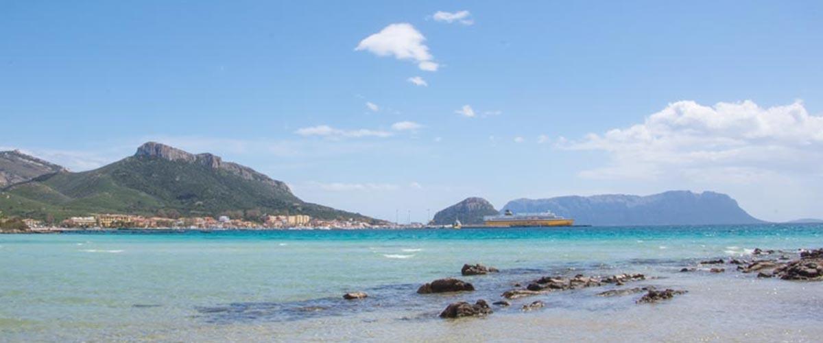 Faehre-Sardinien-Golfo-Aranci
