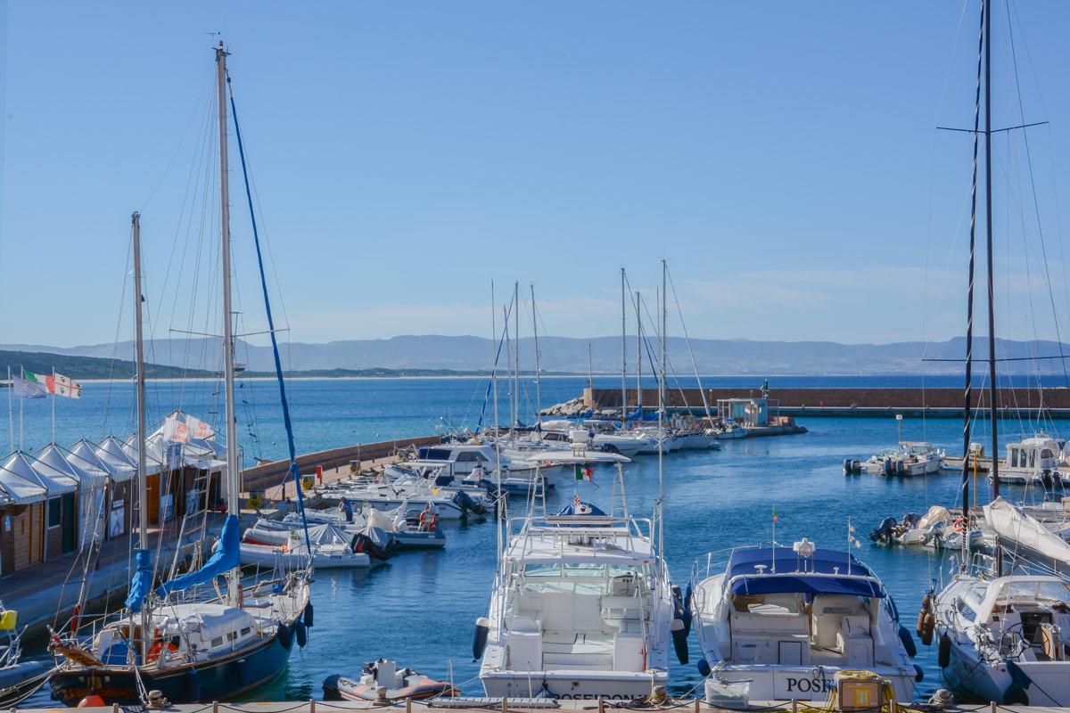 Isola-Rossa-Hafen