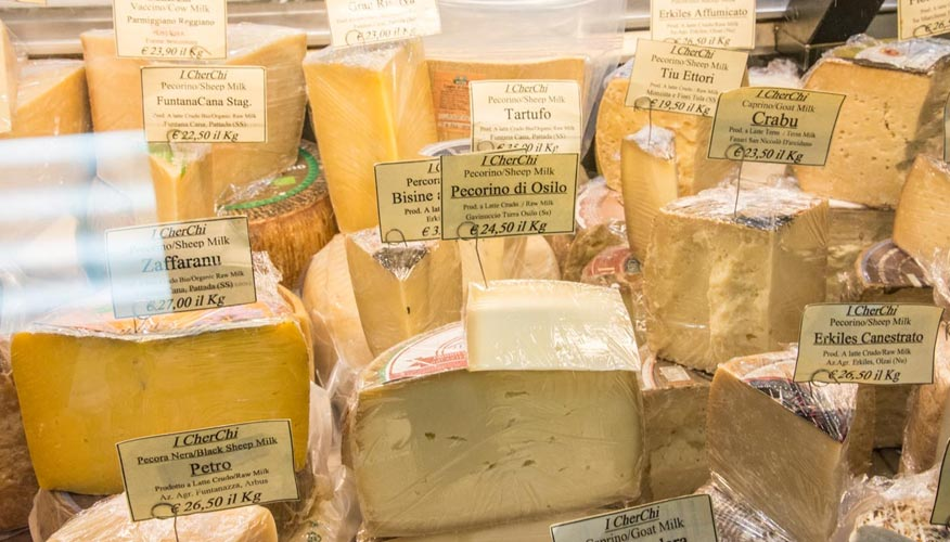 Kaese-Markt-Sardinien