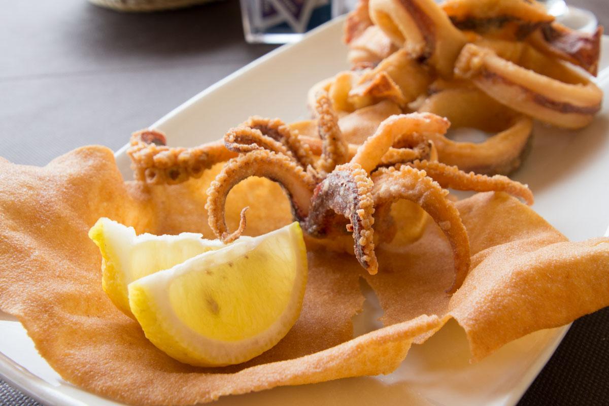 Tintenfisch-Frittiert