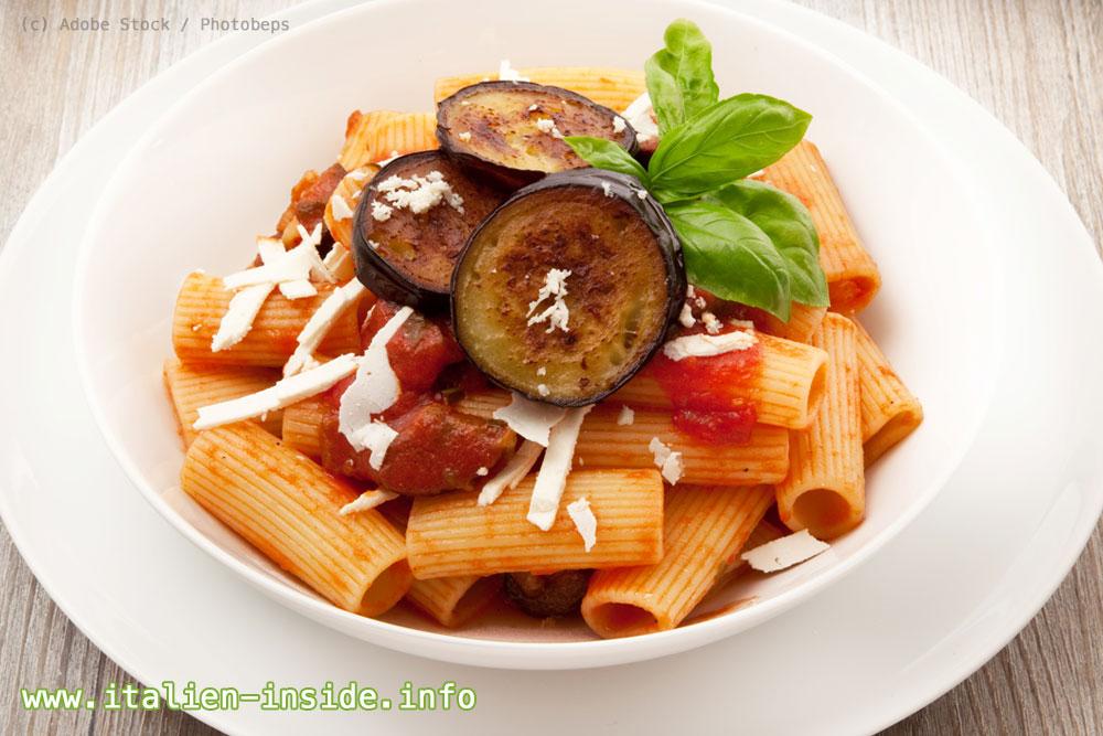 Spezialitaeten-Sizilien-Pasta-alla-Norma