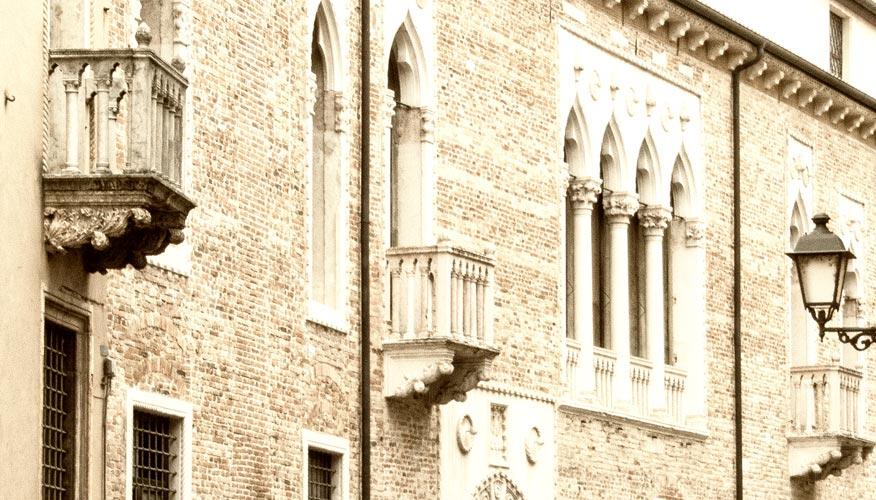 Venetien-Venezianisches-Fenster